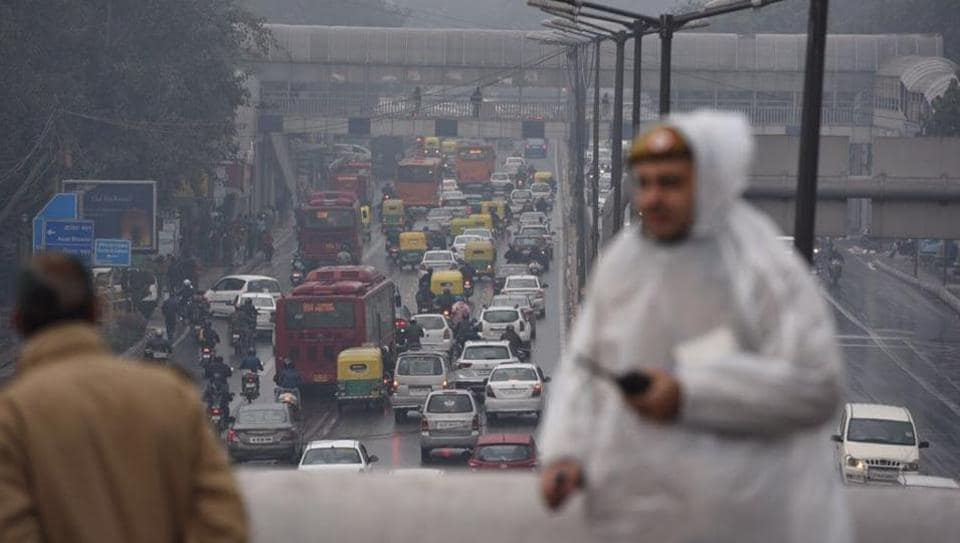 The minimum temperature in the city settled at 9.4 degrees Celsius, two notches above normal, a MeT department official said