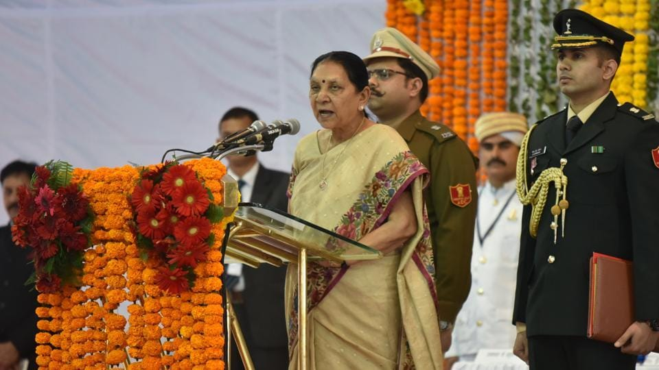 Senior BJP leader Anandiben Patel was sworn in as the governor of Madhya Pradesh. Madhya Pradesh High Court Chief Justice Hemant Gupta administered the oath of office to Patel at a ceremony held at the Raj Bhawan. (Mujeeb Faruqui / HT Photo)