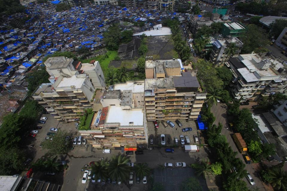 In the five years up to 2014, the BMC had identified more than 56,000 structures (including slums) with a range of violations of which 100 buildings or towers had major FSI violations.