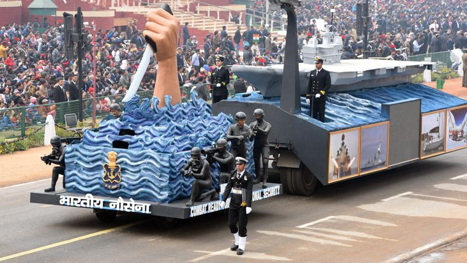 The Naval tableau showcasing the MARCOS special forces makes its way through packed stands. (Mohd Zakir / HT Photo)