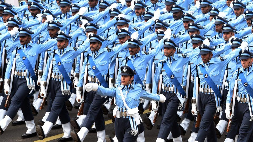 The Air Force's contingent passes through the saluting base. (Mohd Zakir / HT Photo)