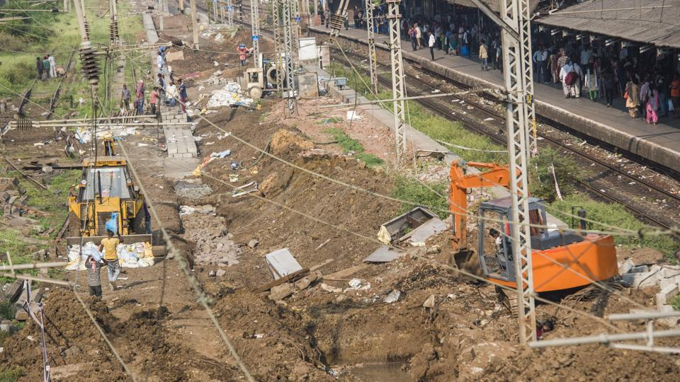 Construction of the new foot over-bridge at Elphinstone Road station is underway.