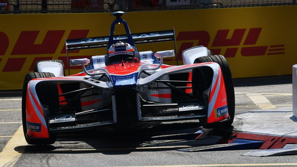 Felix Rosenqvist (SWE) of Mahindra Racing in action during the Hong Kong ePrix, Round 2 of the 2017/18 FIA Formula E Championship at the Central Harbourfront Circuit on December 03, 2017.