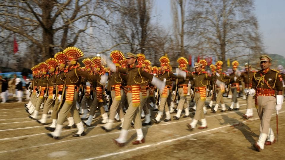 The Central Reserve Police Force contingent takes part in the full dress rehearsal for the Republic Day parade at the Sher-e-Kashmir Stadium in Srinagar. (Waseem Andrabi / HT Photo)