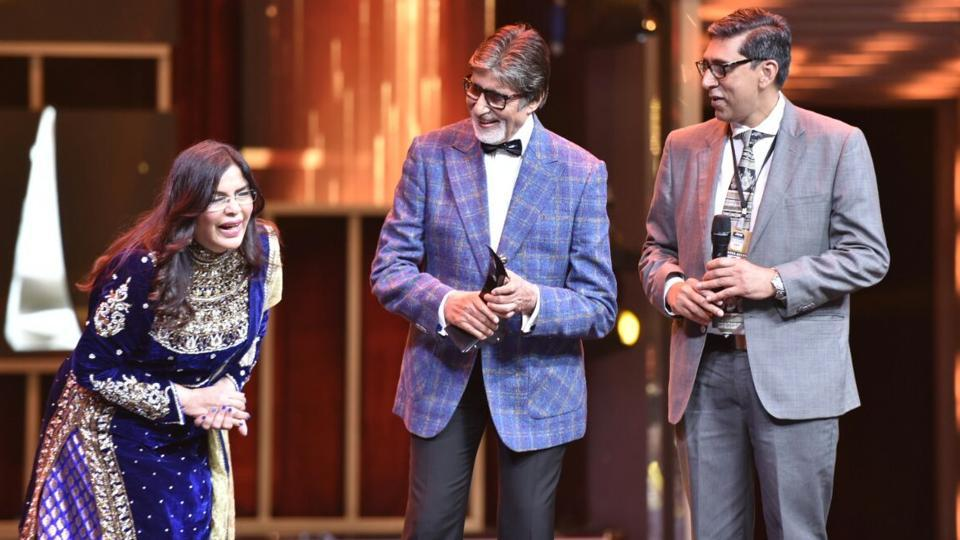 "Amitabh Bachchan, who was given the Superstar of Style award, shares the stage with Zeenat Aman. ""I have no logical reason to be here tonight. HT is being generous,"" Bachchan said in his acceptance speech. (HT Photo)"
