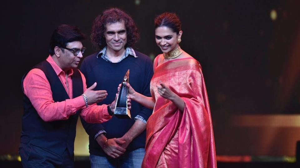 Deepika Padukone was given the India's Most Stylish (female) award. (ht photo)