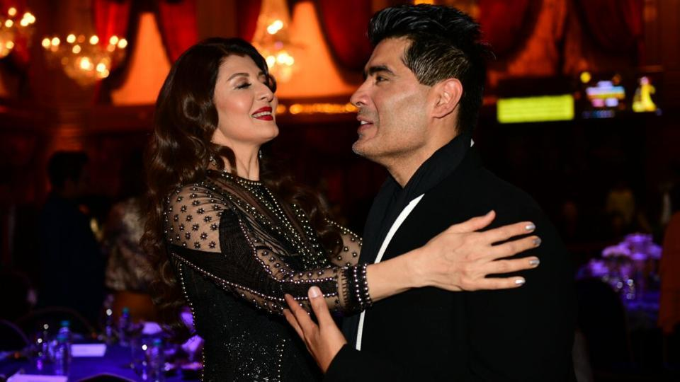 Sonali Bendre with designer Manish Malhotra. (HT Photo)