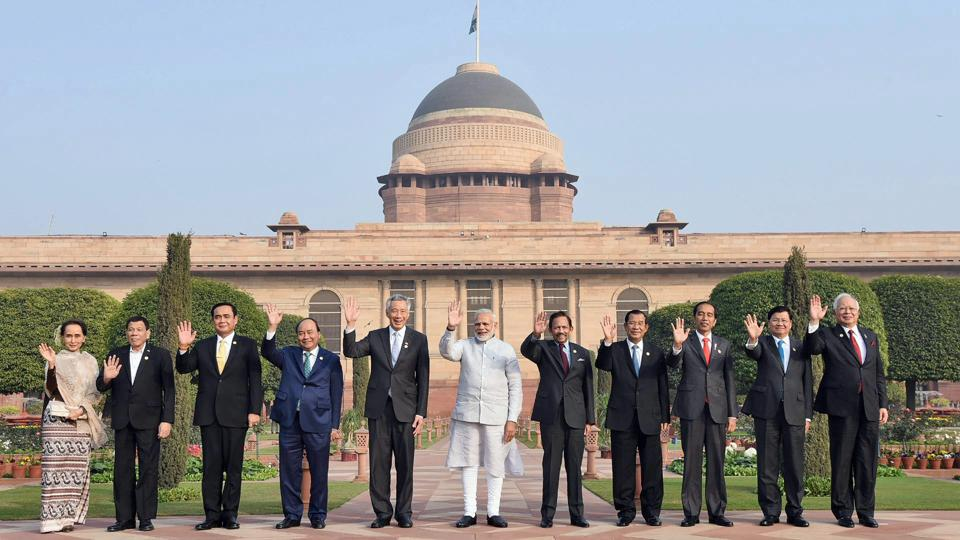 Prime Minister Narendra Modi with Asean heads of state and governments at Rashtrapati Bhavan in New Delhi on Thursday.