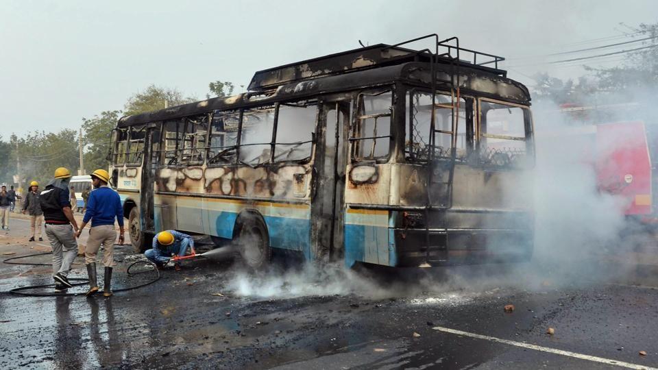 Padmaavat,Gurugram,school bus attacked