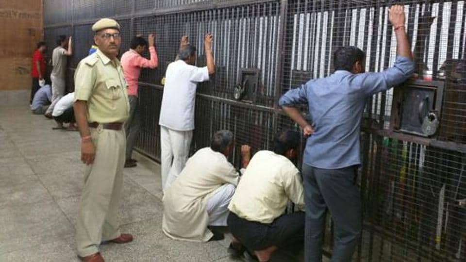 The judges noted that the Centre had already passed a resolution that conjugal visits are a right and not privilege and prisoners should be entitled to have their wish.