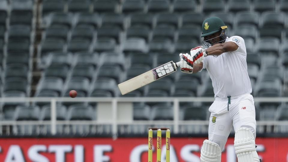 Vernon Philander however scored a crucial 35 as South Africa scored 194 in the first innings to take a slender 7-run lead. (AP)
