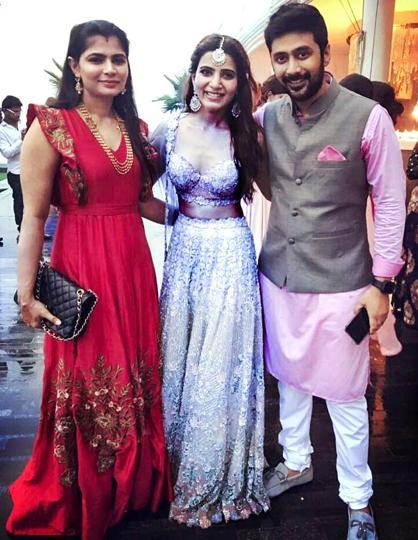 Samantha Akkineni with Rahul Ravindran and his wife Chinmaya Sripada at her wedding.