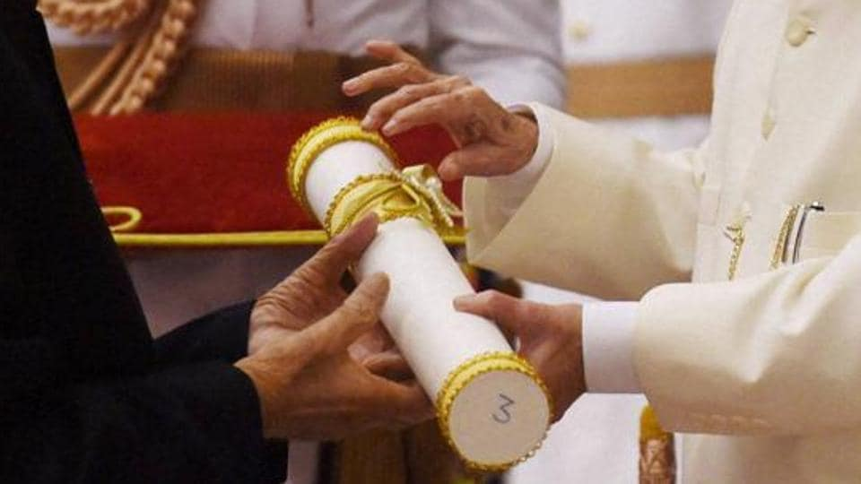 A total of 85 eminent people from the fields of art, social work, public affairs, science, trade and industry, medicine, literature and education, civil service and sports were conferred the Padma awards this year. (HTFile Photo)