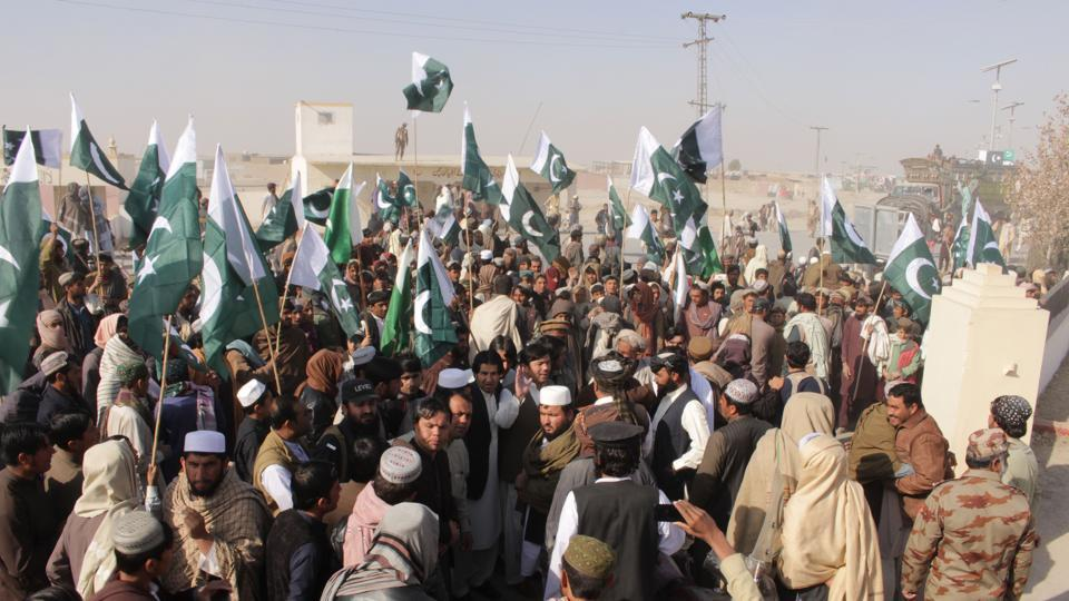 Pakistani demonstrators gather during a protest against US aid cuts at the Pakistan-Afghanistan border post in Chaman on January 5.