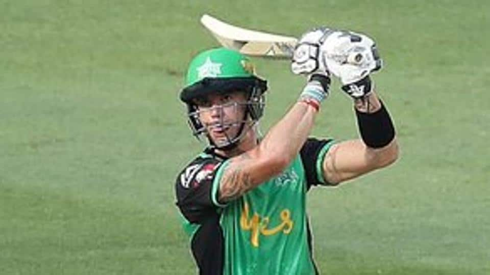 Kevin Pietersen's blistering 46 guided Melbourne Stars to a three-wicket win over Hobart Hurricanes in the Big Bash League (BBL).