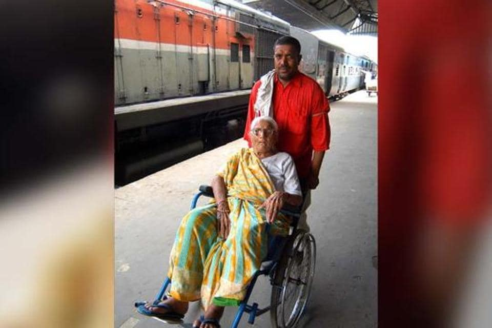 A disabled woman at the New Delhi railway station. The Centre's target of making at least 25% of public transport disabled-friendly is far from realised.