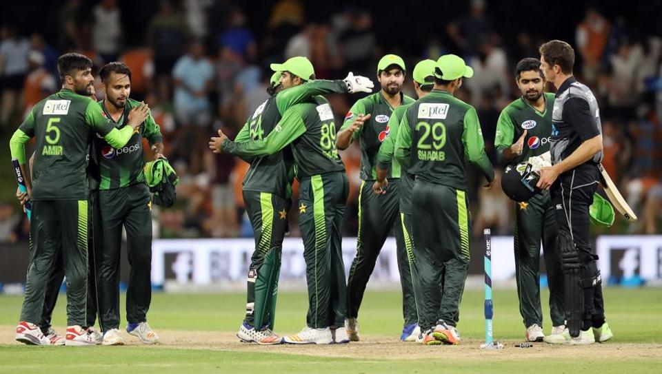 Pakistan win toss, bat first in decider against New Zealand