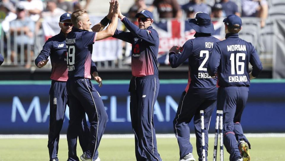 Australia lost to England in the fifth and final One-Day International (ODI) at Perthon Sunday. Get full cricket score of Australia vs England, 5th ODI here.