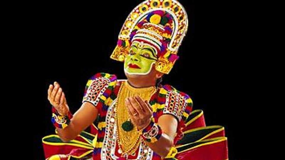 Kerala artist collapses during performance, dies on stage