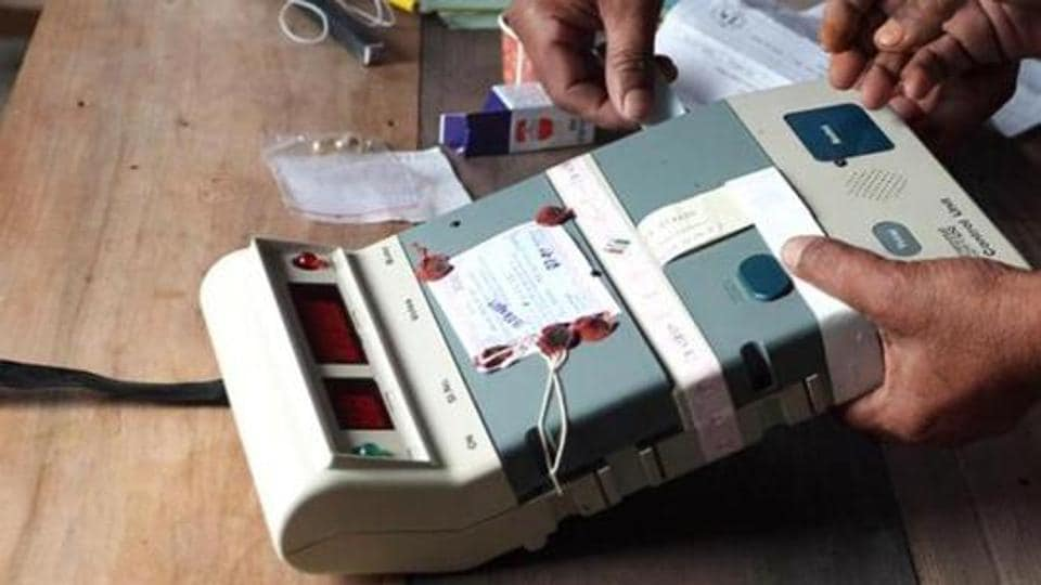 WB bypoll: 76% votes cast in Uluberia, 75% in Noapara