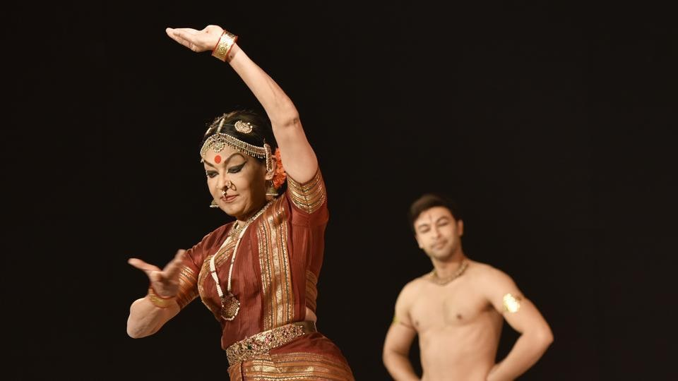 Mallika Sarabhai performs with her son Revanta at the Hindustan Times Kala Ghoda 2017 at Cross Maidan, Churchgate.