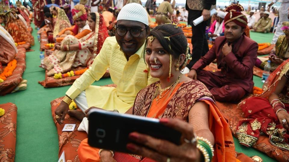 Rashid and Jyotsna got married on Tuesday at the function, which was held at the CIDCO ground in Kharghar. (Bachchan Kumar/HT PHOTO)