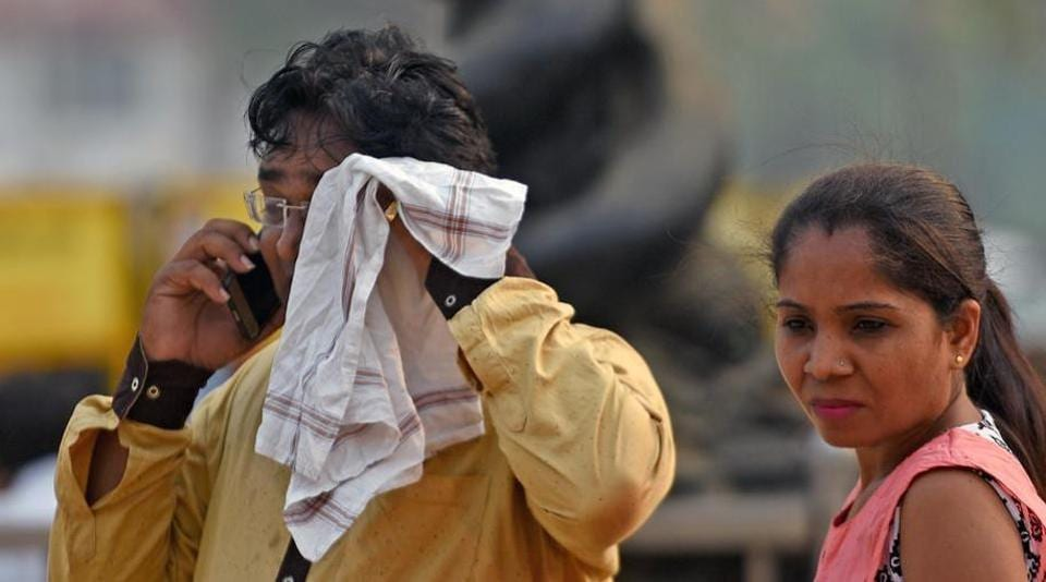 South Mumbai sweltered on Tuesday as maximum temperature touched 35.2 degrees Celsius.