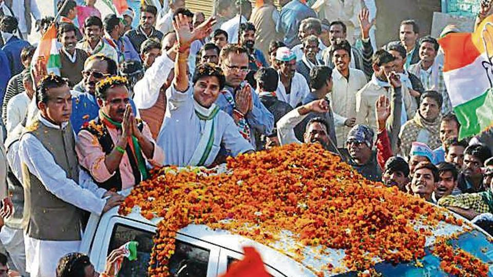Congress leader Jyotiraditya Scindia along with other party leaders during a roadshow in Mungaoli on Wednesday