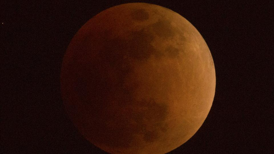 There's a 'super blue blood moon' on the rise  Have you seen