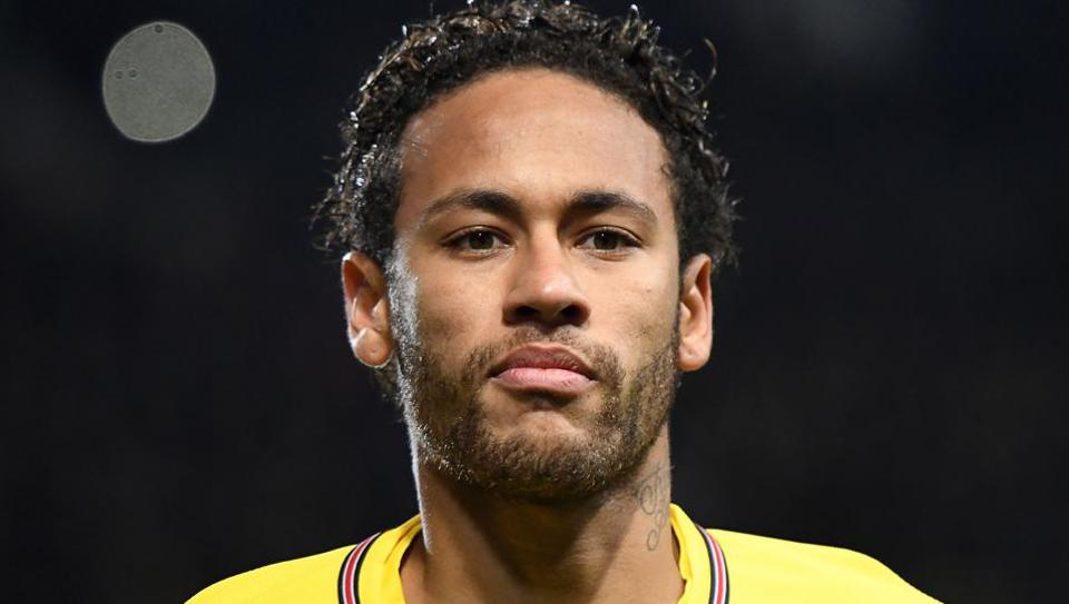 Paris Saint-Germain's Neymar angered Rennes when he controlled a high ball on his back and flicked it over the head of opponent Benjamin Bourigeaud during Tuesday's Coupe de la Ligue semi-final.
