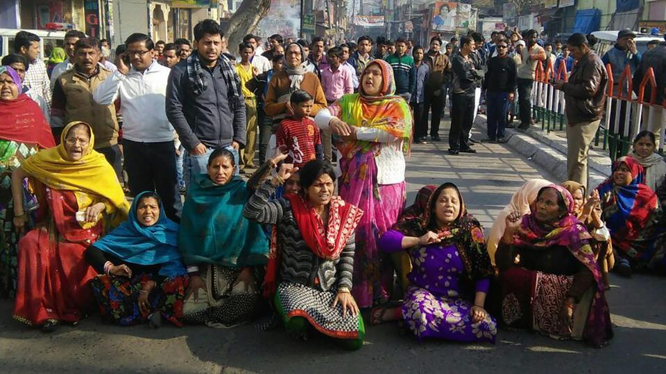 A protest against the death of local resident Abhishek Gupta in Kasganj on Tuesday. Gupta was shot dead in last week's communal violence in the Uttar Pradesh town.