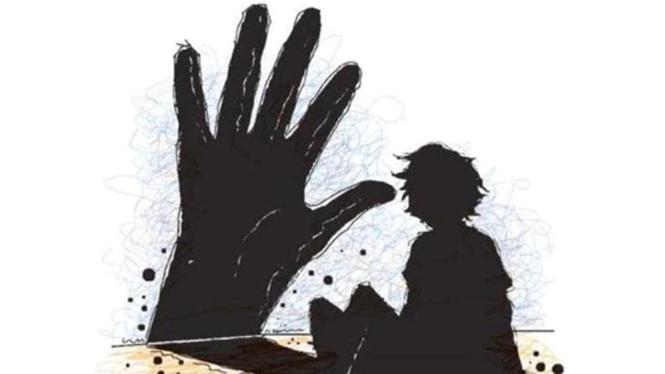 Chandigarh,Supermarket salesman held,12-year-old raped
