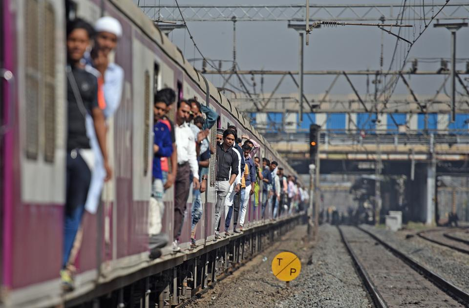 A train on the Western Line in Mumbai. Rs 1,48,528 crore is the capital expenditure for the Indian Railways for 2018-19. All trains to be progressively provided with WiFi, CCTV and other state-of-the-art amenities. An institute is also coming up at Vadodara to train people for the bullet train programme. (Satyabrata Tripathy / HT Photo)