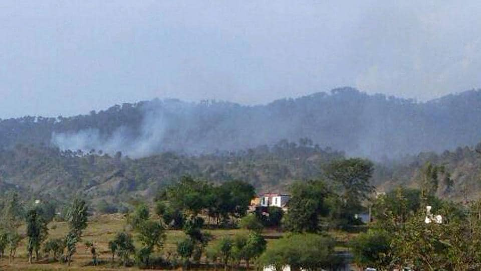Pakistan violated ceasefire in Nowshera sector of Rajouri district on Thursday.