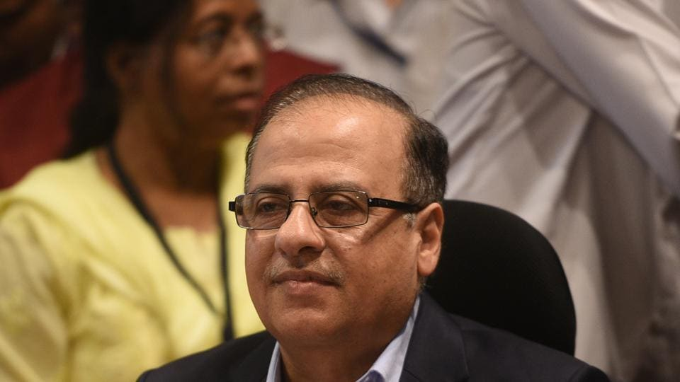 Municipal commissioner Ajoy Mehta presents the 2018-19 BMC budget on Friday.