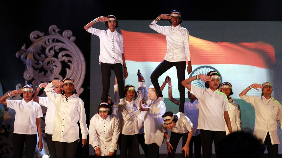 The audience was left in awe by the dance performance of this bunch of visually impaired girls. (Rahul Raut/HT PHOTO)