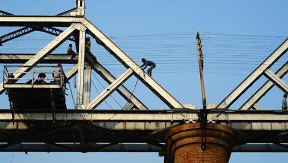 Siwan-Gorakhpur passenger train runs over five persons who were crossing railways tracks over a rail bridge in  Bihar.