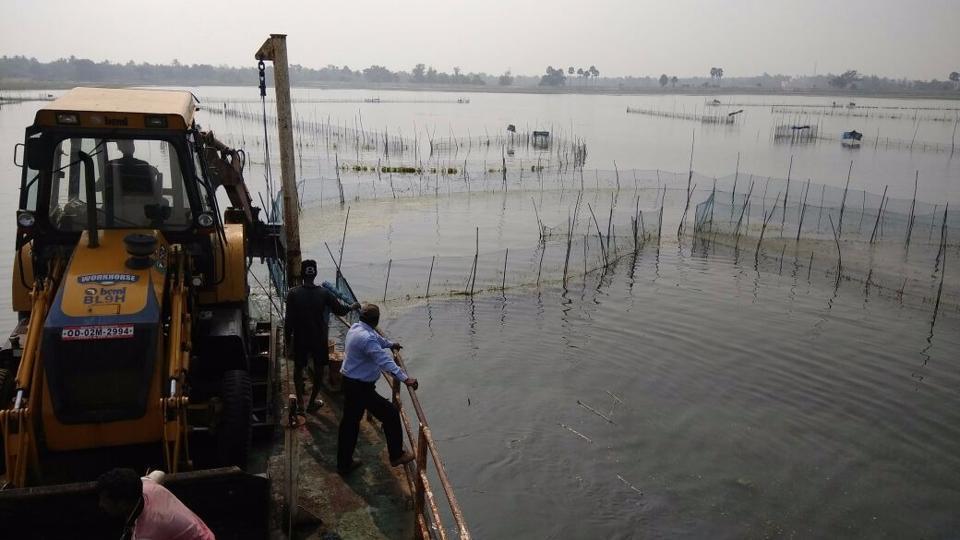 Chilika,Illegal prawn farming,Demolition drive