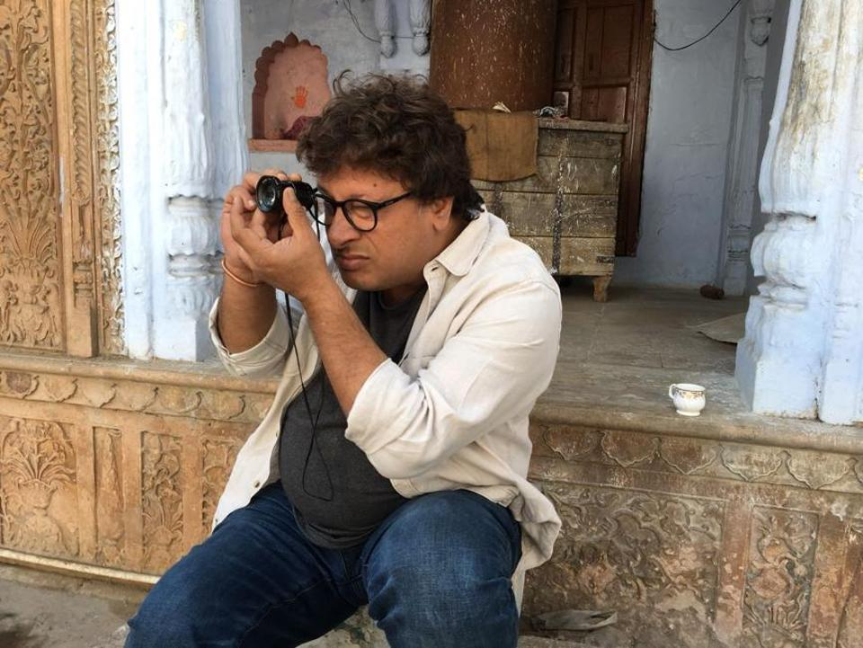 Tigmanshu Dhulia clicking pictures of locations where he plans to shoot Milan Talkies