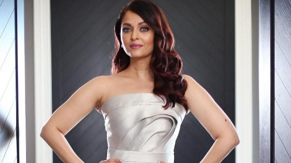 Aishwarya rai is a stunner in black and white as she floors fans in aishwarya rai bachchan was present for a red carpet event in sydney australia voltagebd Image collections