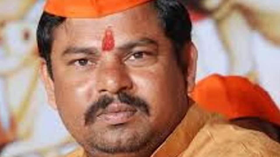 Telangana BJP MLA T Raja Singh was at a dharma sabha organised as part of the Hindu Utsav Samiti in Neemuch on Sunday.