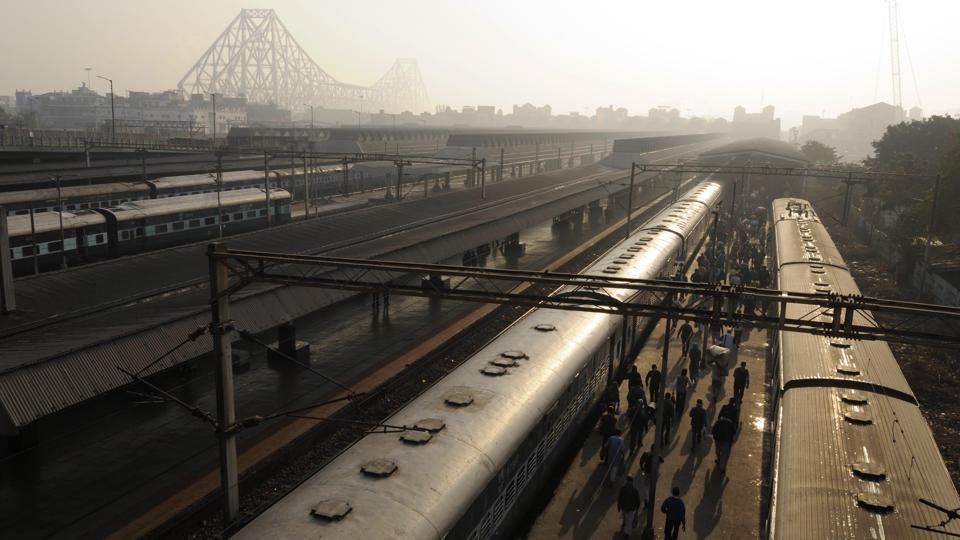 Photos Kolkatas Howrah Bridge Completes 75 Years As A City