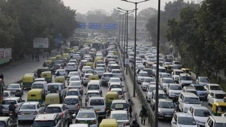Delhi to scrap old vehicles by end of 2018: Five things you need ...
