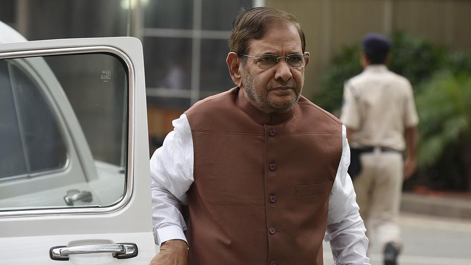 Sharad Yadav, who broke away from the Nitish Kumar-led JD(U) and now heads his own faction, landed in Ranchi on Sunday night.