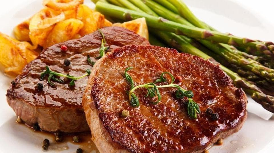 A higher intake of red meat and poultry is associated with significantly increased risk of developing diabetes.