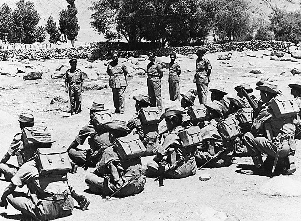 Indian troops in Ladakh during the war between India and China, 1962-63.