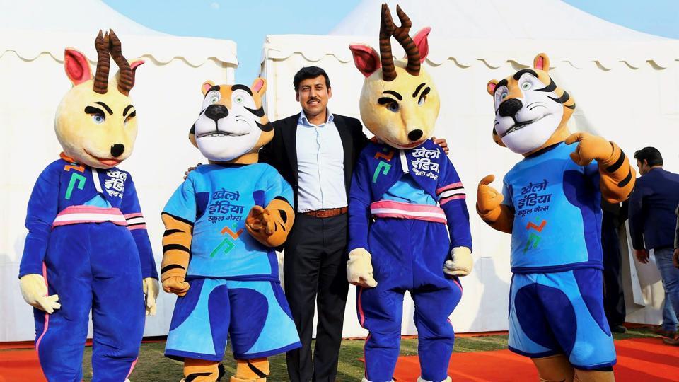 Sports Minister Col. Rajyavardhan Singh Rathore with Khelo India School Games mascots in New Delhi.