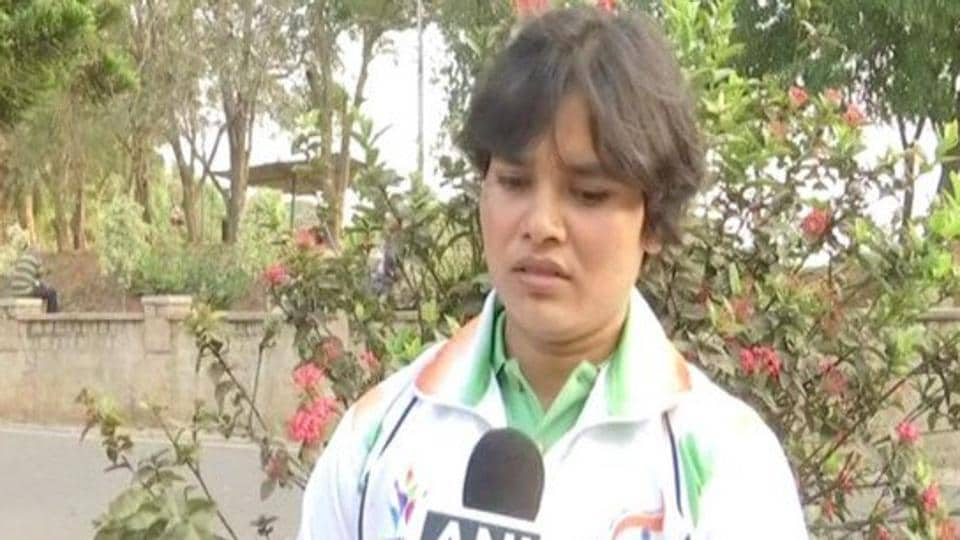 Para power-lifter Sakina Khatun has said that she will commit suicide in front of Indian Olympic Association (IOA), if her name is not considered for the Commonwealth Games 2018.