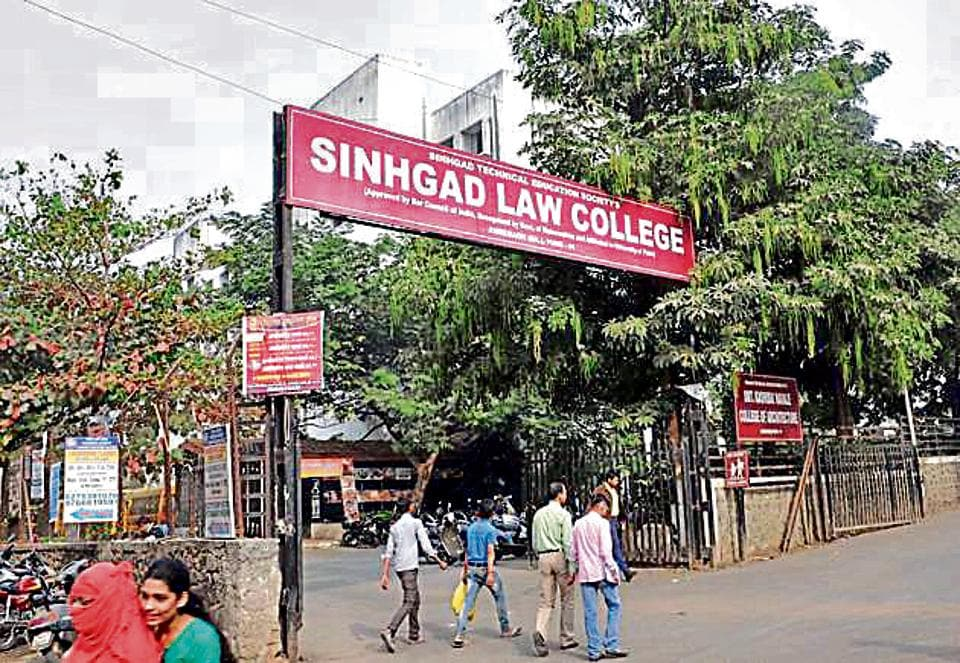 AICTE had barred 22 colleges run by Sinhgad Technical Education Society from conducting admissions for the next academic year.