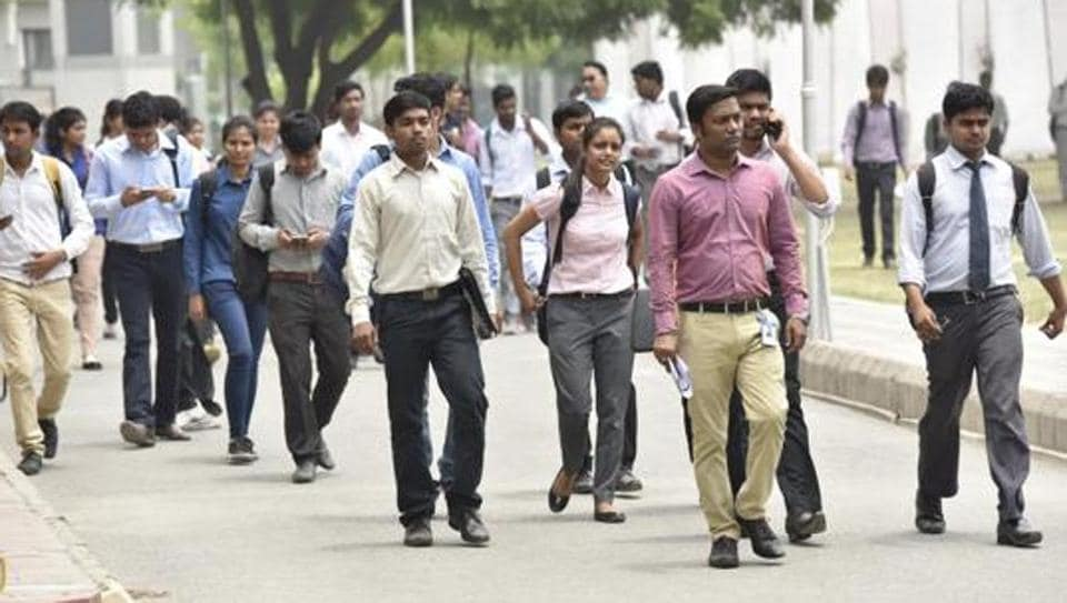 The National Sample Survey Office estimates for 2009-10 show that people in regular jobs earned less than Rs 7,000 and Rs 11,000 per month in rural and urban areas.